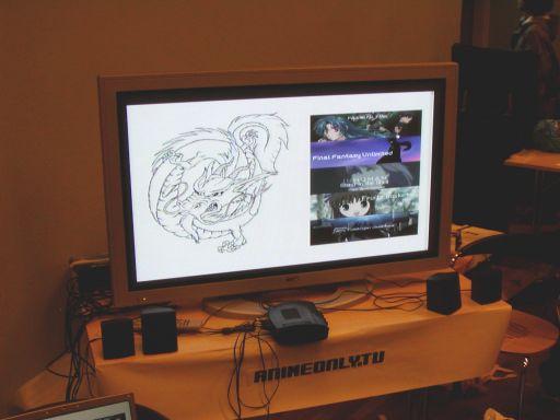 På J-popcon kunne man for første gang se prøver på det kommende AnimeOnly.tv. En gratis anime tv-kanal via bredbånd og pc. Sammenlign det med Skype, bare som tv-kanal og man har en idé om hvordan det virker. AnimeOnly.tv har potentiale til at blive en kæmpe succes, og ophavsmanden, Henrik Larsen, øste gladeligt ud med svar til et konstant spørgende publikum. Tilmelding til nyhedsbrevet kan ske her: <a href='http://www.animeonly.tv' title='www.animeonly.tv' target='_blank'>www.animeonly.tv</a> 16/99