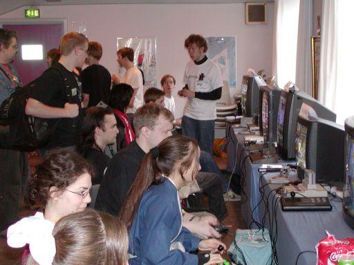 Mere gameroom. Masser af gamere. Mere sjov. 36/99