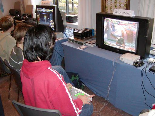 En Sega Dreamcast (DC) og et originalt DC arcadestick, ligger krop til endnu en 2d versus fighter fra Capcom. 49/99
