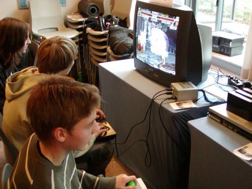 Endnu en flok veloplagte gamere med styr på de klassiske spil. Multiplayer-funktionen blev brugt alle steder hvor det var muligt. 52/99