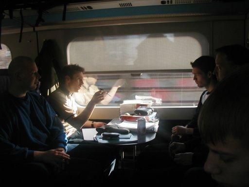 3of19 (Hauke), dRxL, StrideR, Assassin og PS2 Playkid på vej i toget. 1/18