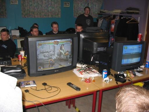 Naiera viser SNK vs. Capcom Chaos frem, og taber et par runder til Kristensen. 13/17