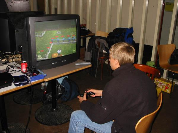 PS2 Playkid fortabt i Jurassic Park-parkbyggeri. 7/22