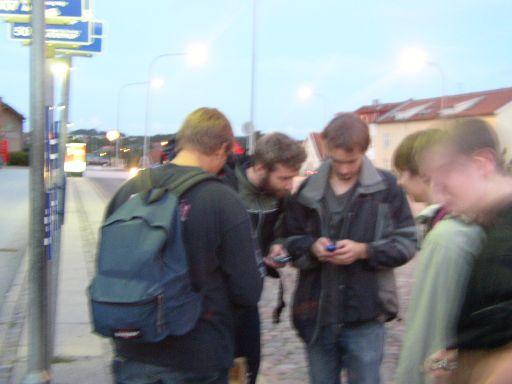 Tro det eller lad være, dette billede blev taget mens vi ventede på den taxi der skulle hente os. 17/21
