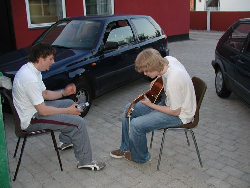 MusicMan spiller Silent Hill på guitar - Cronoss spiller på flaske.... 5/27