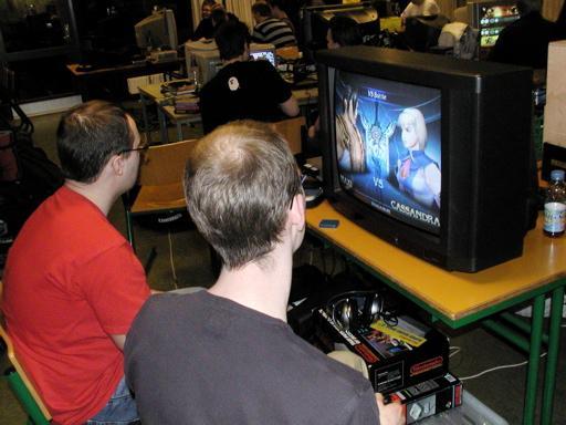 Solid Snake og Killer Bean 2 spiller Soul Calibur II. 13/46