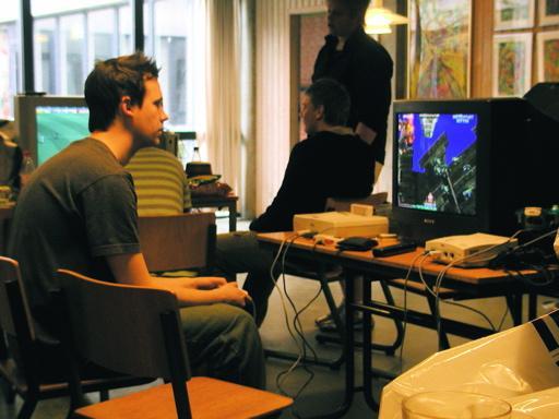 T.L.O spiller Cotton Boomerang på Saturn. 26/46