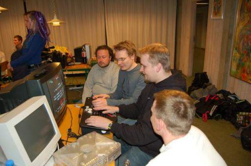 Wehner og KTC spiller Bubble Bobble (på Taito Legends). 37/44