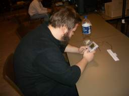 Samtidig gør Kristensen det til 4-0 over HN, da han vinder Tetris. 69/81