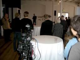 Museumsinspektør Christian Hviid Mortensen fra Danmarks Mediemuseum byder velkommen til udstillingen Vroum! Vroum! 1/13