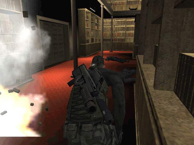 Splinter Cell (XBX)   © Ubisoft 2002    5/8