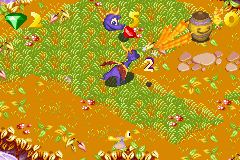 Spyro: Season Of Ice (GBA)  © Universal Interactive 2002   2/4