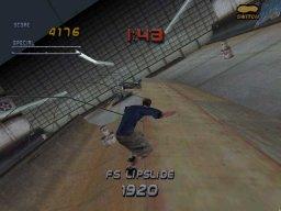 Tony Hawk's Pro Skater 2 (PS1)  © Activision 2000   2/5