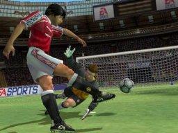 FIFA 2001  © EA 2000  (PS2)   2/3