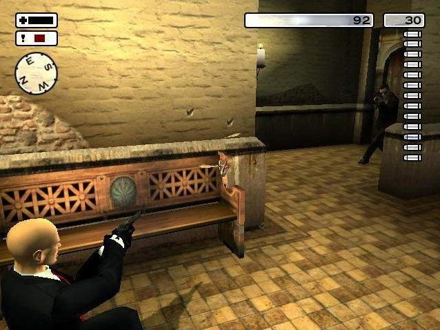 Hitman 2: Silent Assassin (GCN)   © Eidos 2003    4/4