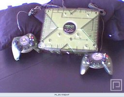 Xbox Special Edition Launch Team 2001  © Microsoft 2001  (XBX)   1/8