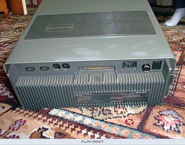 Commodore SX-64 (C64)  © Commodore 1983   13/20