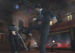 007: Everything Or Nothing (XBX)   © EA 2004    3/5