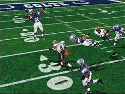NFL Blitz 2001 (PS1)  © Midway 2000   2/3