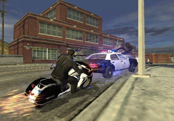 Terminator 3: The Redemption (PS2)  © Atari 2004   5/6