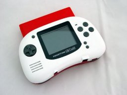 Pocket Famicom (NES)   © GameTech 2005    3/3