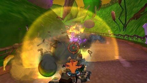 Crash Tag Team Racing (PSP)  © VU Games 2005   4/5