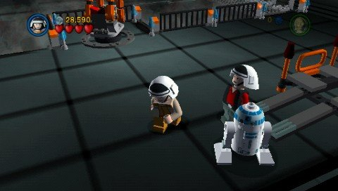 Lego Star Wars II: The Original Trilogy (PSP)   © LucasArts 2006    4/5