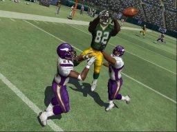 Madden NFL 07 (PS2)  © EA 2006   1/3