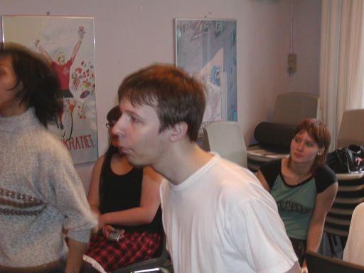 Svovlmunk kæmper bravt (og koncenteret) i en duel på <a href='info/soeg?titel=Dancing Stage&_submit=1'>Dancing Stage</a>. 34/99