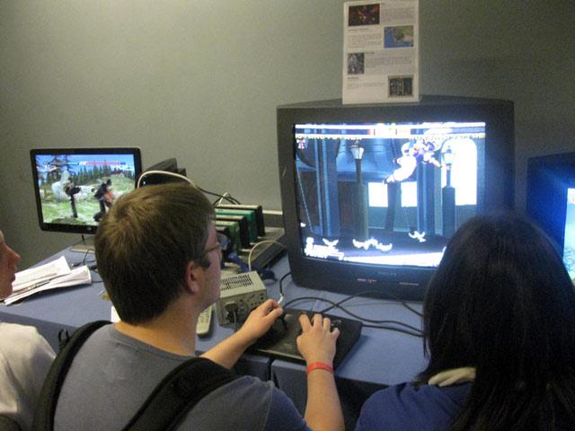Garou på Neo-Geo'en, mens Tekken 6 kører uafbrudt i PS3-hjørnet. 11/72