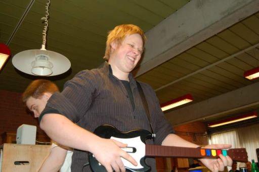 Palsgaard er Guitar Hero. 3/44