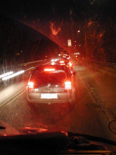 På hjemvejen rammer vi rush hour i Vejle. Kø overalt. Det tager over en time bare at komme igennem byen, og det bliver alt for sent og mørkt til, at vi kan nå mere den dag. 36/43