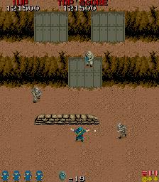 Commando (ARC)  © Capcom 1985   3/4
