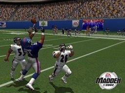 Madden NFL 2002 (PS2)  © EA 2001   3/3