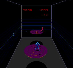 Discs Of Tron (ARC)   © Bally Midway 1983    2/3
