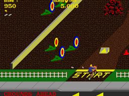 Paperboy (ARC)  © Atari Games 1984   3/5