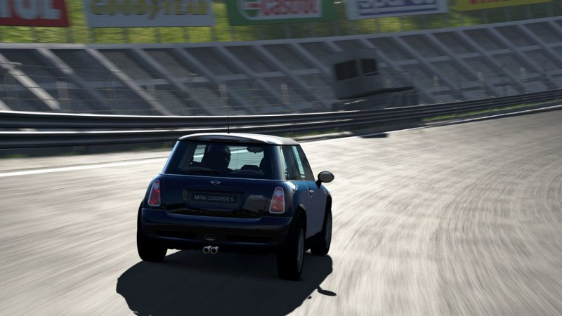 Gran Turismo 5: Prologue (PS3)  © Sony 2007   6/6